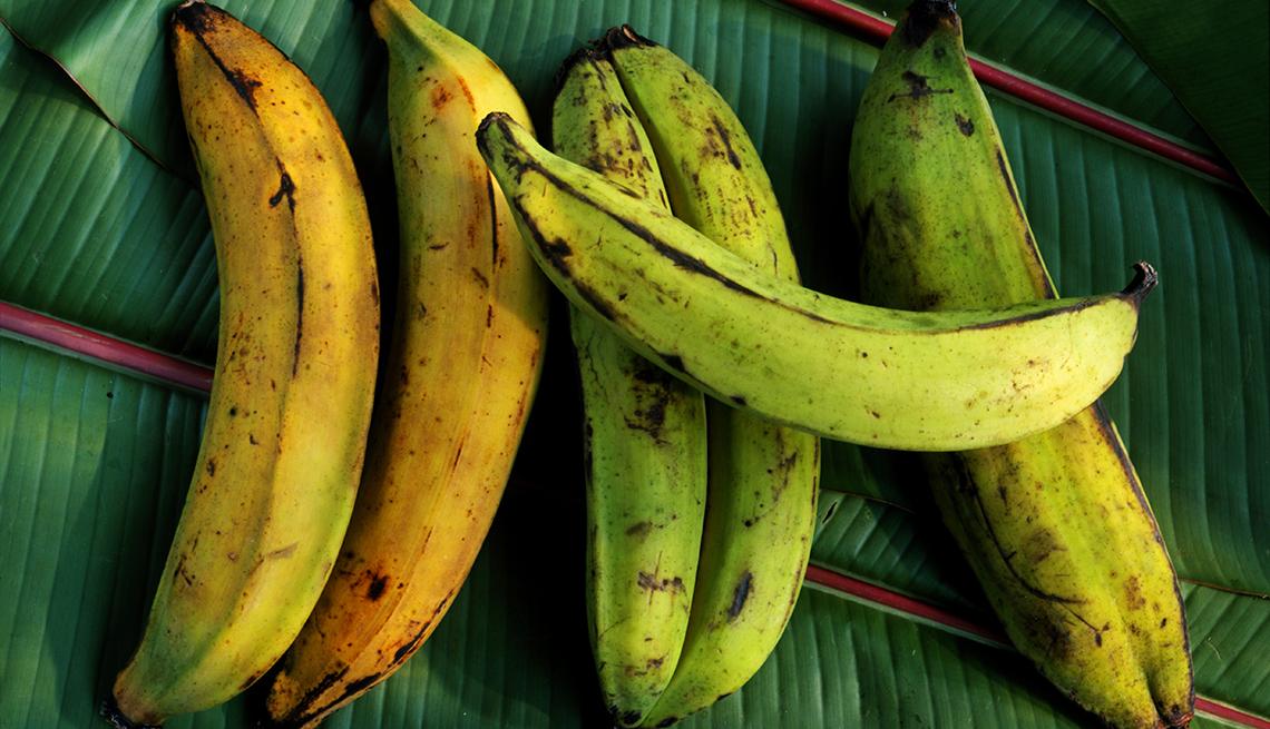 Plátanos verdes y maduros
