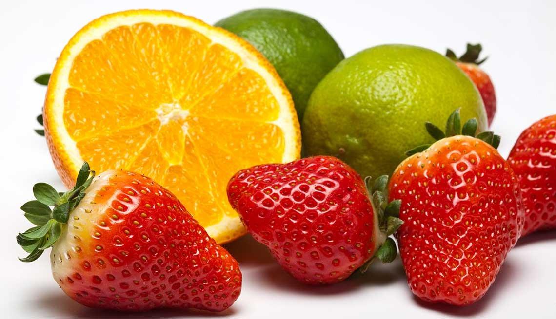 Naranjas, fresas y limas