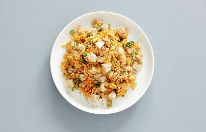 Ensalada de pollo con quinua y mayonesa de chipotle
