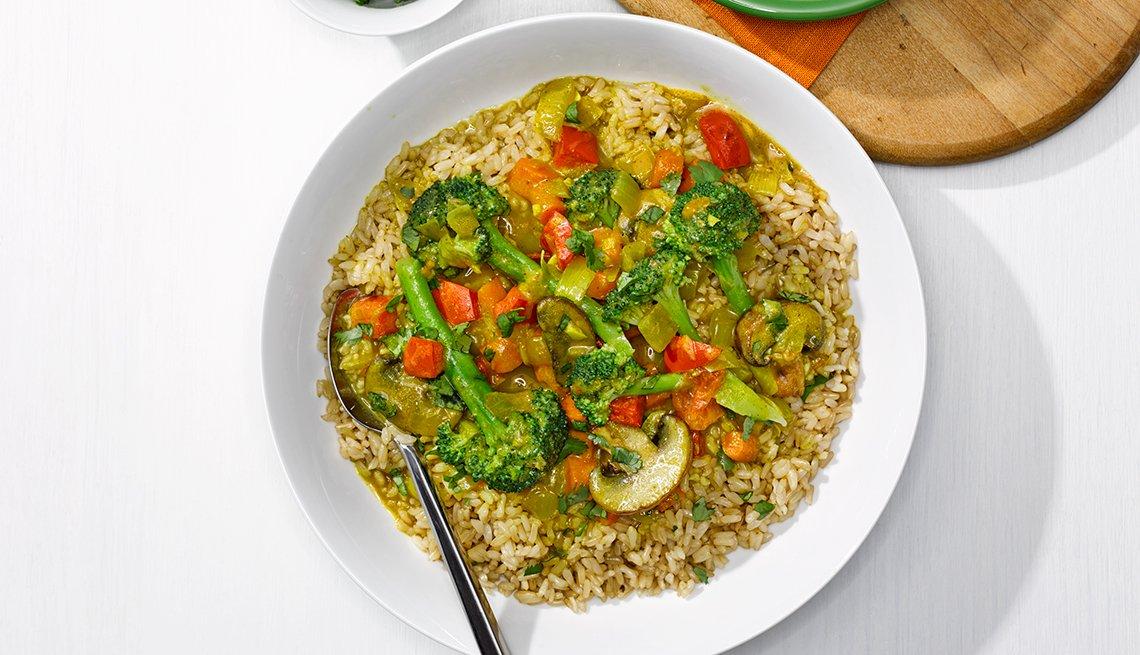 Broccoli con tomates, ajo y leche de coco