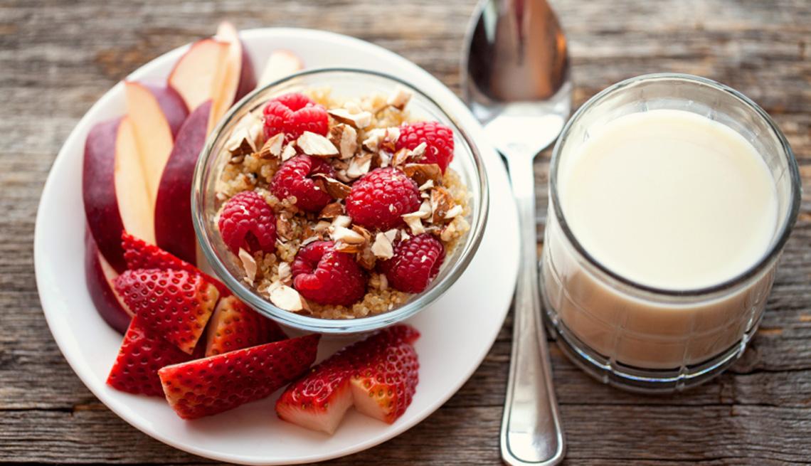 item 8 of Gallery image - Desayuno con quinoa y frutas