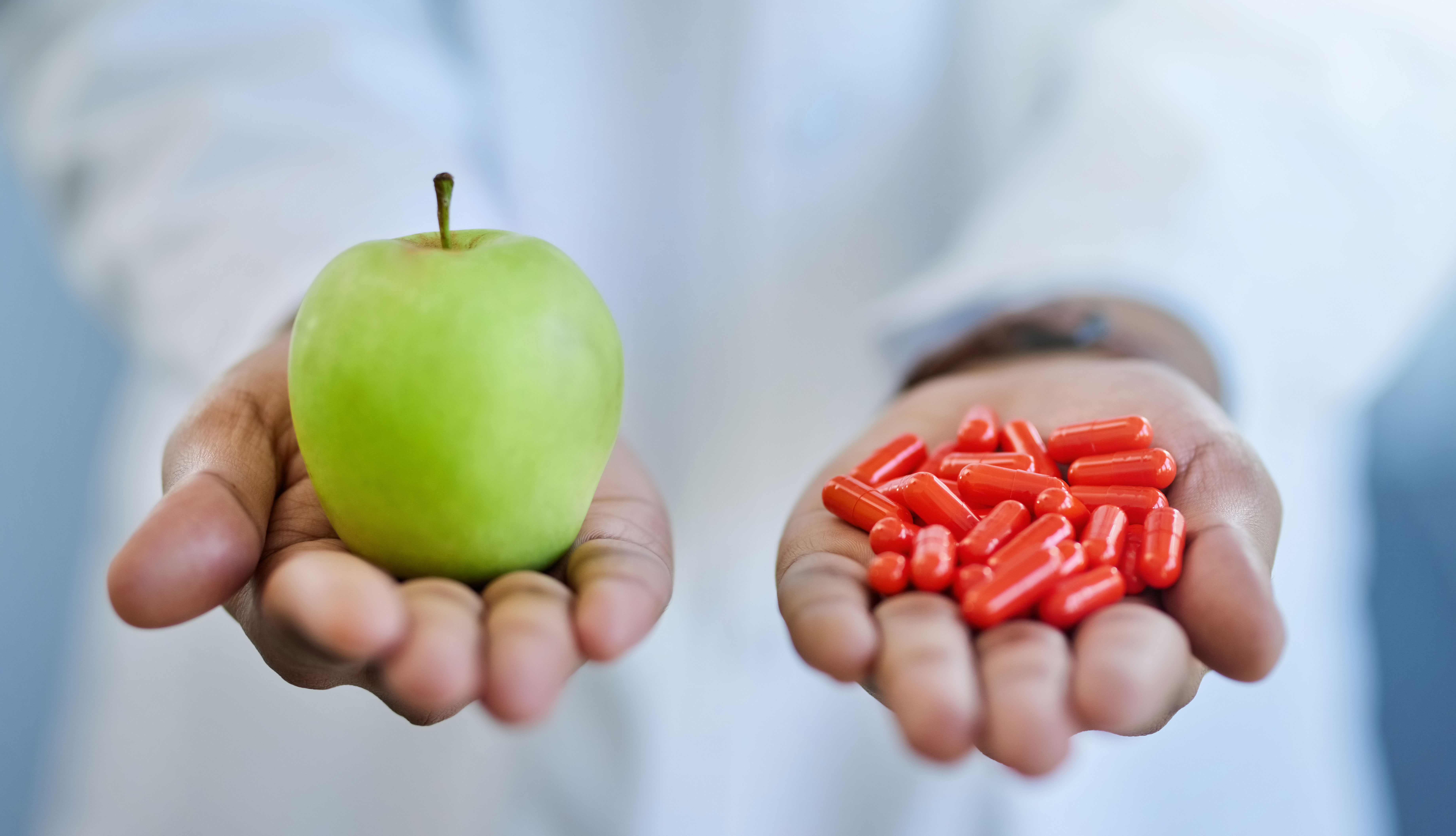 Manzana versus pastillas