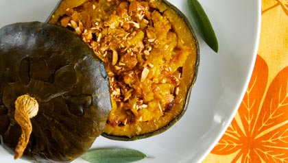 Meatless monday recipe stuffed winter squash with red onion and almond