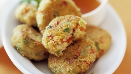 crab cakes with dip