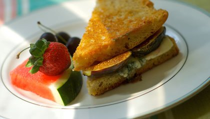Buttery fig and blue cheese melt recipe for Meatless Monday