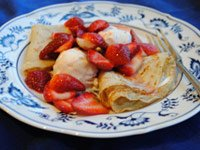 Pam Anderson Valentine's menu: Crepes with Strawberries and Ice Cream