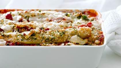 Cazuela de berenjena con tres quesos, receta de Denisse Oller.