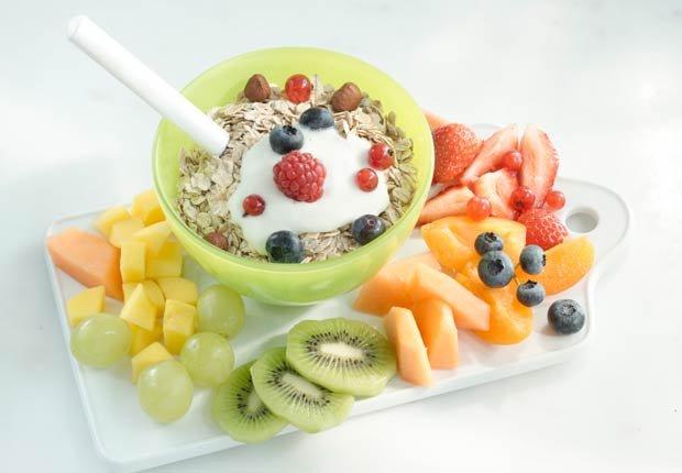 Ensalada de frutas con avena