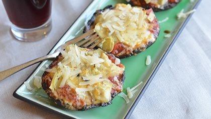 Recetas vegetarianas - Pizzas con champiñones, alcachofas y queso provolone
