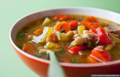 Bowl of Soup with White Beans, Bean Soup Recipe