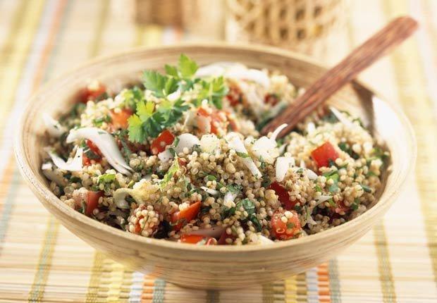 Ensalada de taboule y quinoa - 10 ensaladas que le van a encantar