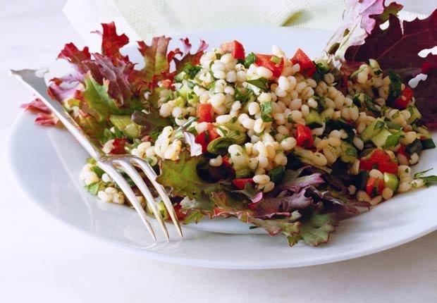 Ensalada de Cebada - 10 ensaladas que le van a encantar