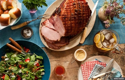 Trisha Yearwood's Glazed Ham and Strawberry Salad