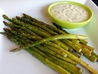 Espárragos asados con mayonesa de limón. Recetas del Chef Gisele Pérez