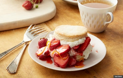 Cristina Ferrare strawberry shortcake (Tara Donne)