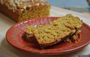 Pumpkin bread. Three better-for-you fall treats. (Threemanycooks.com)