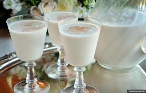 Batido de Sidra en leche con manzana. Cócteles de vacaciones para estas festividades.
