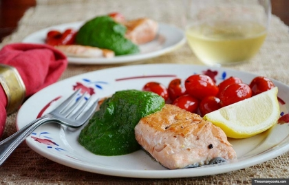Seared salmon with spinach sauce. Dishes that are good for your skin. (Threemanycooks.com)
