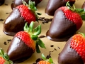 Chocolate-Dipped Strawberries (A Tutorial)