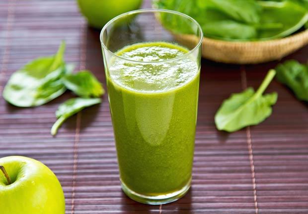 Jugo de manzana, espinaca y naranja - Recetas de jugos saludables de fruta fresca