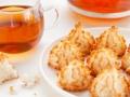 Receta de té y macarrones de coco