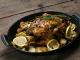 Pollo asado con manzanas y limón