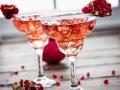 Cóctel de granada y agua de rosas