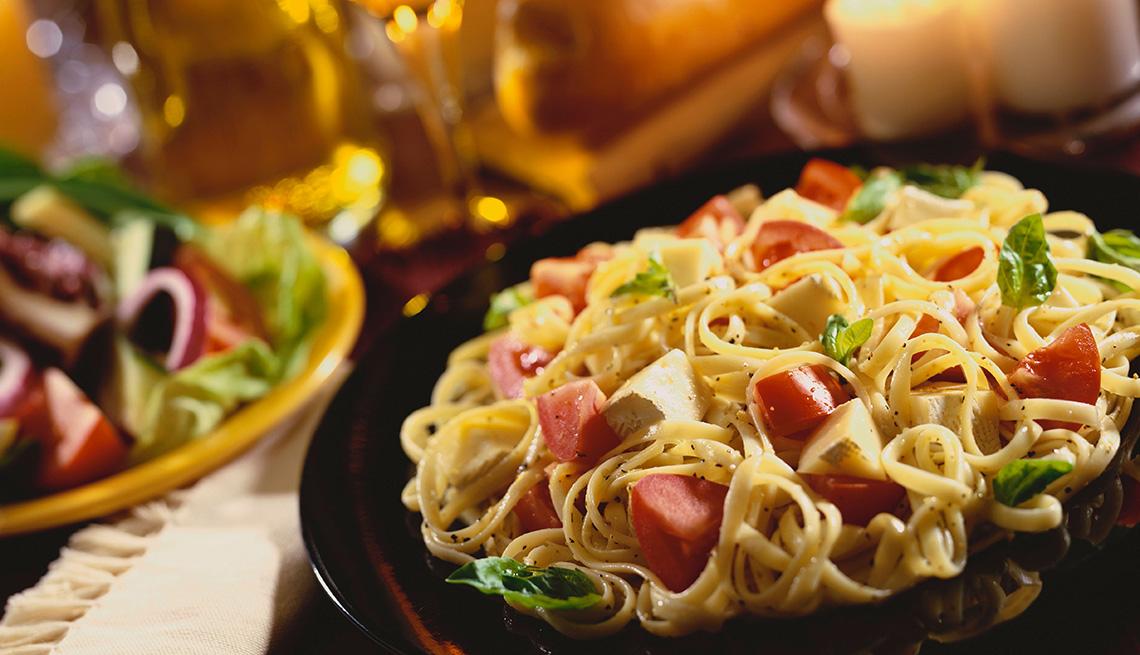 Linguini con tomate