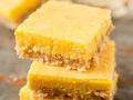 Cuadrados de limón y merengue