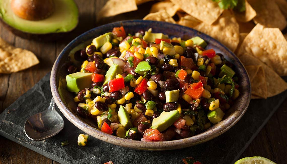 item 10 of Gallery image - Dip de frijoles, maíz y pimientos