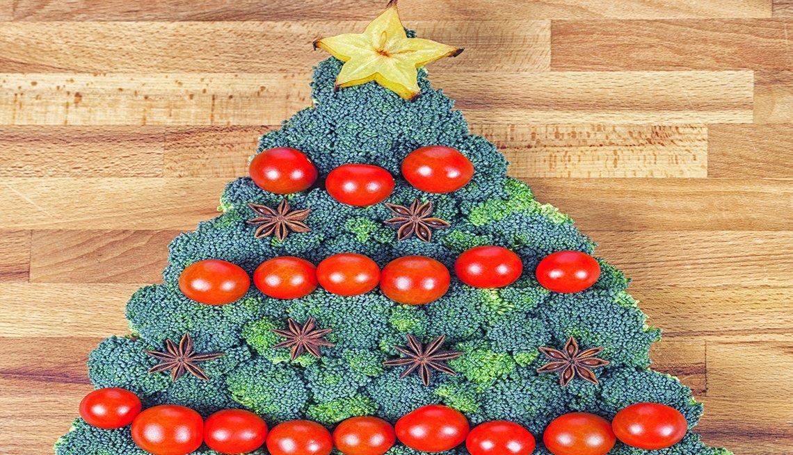 Árbol de Navidad hecho de brócoli y coliflor
