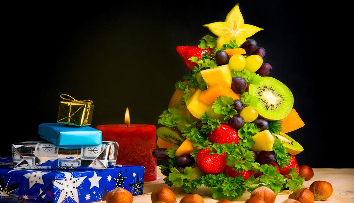 Árbol de Navidad hecho de frutas