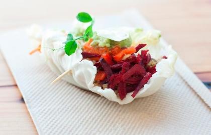Tacos vegetarianos con remolacha