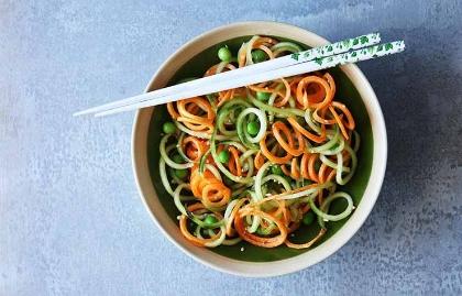 Ensalada de zanahorias con aderezo de jengibre