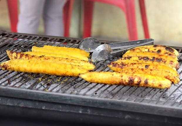 Postres fáciles para hacer en la parrilla - Bananas a la parrilla