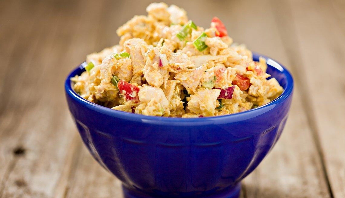 Ensalada de pollo con vinagreta de jengibre y sambal