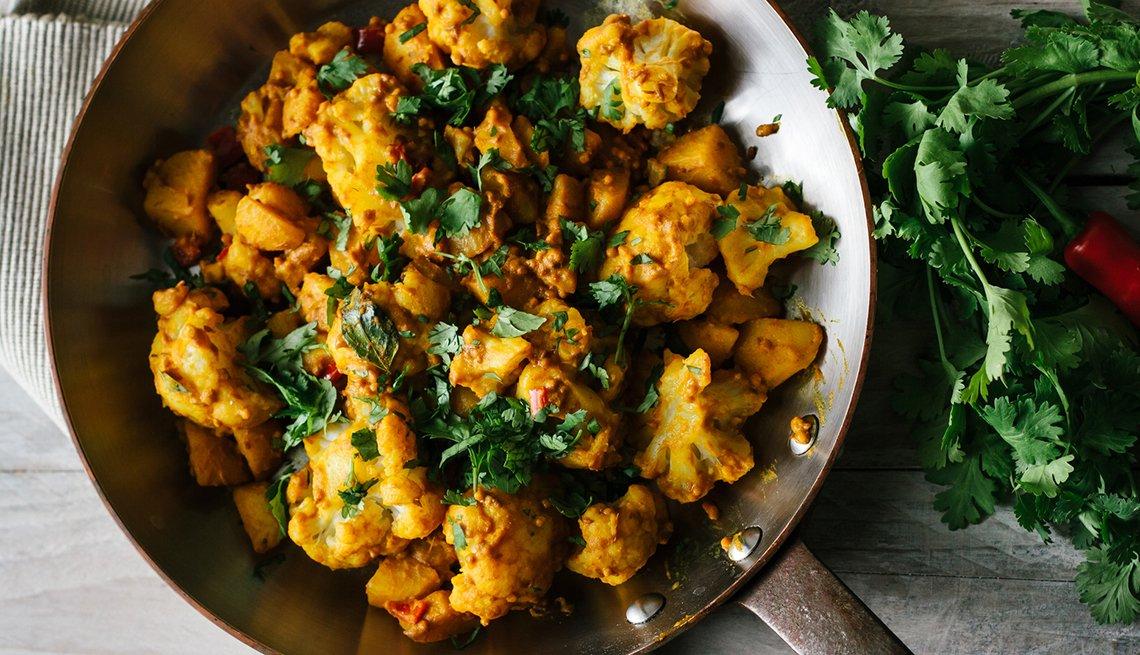 Recetas vegetarianas inspiradas en la India - Aloo Gobi