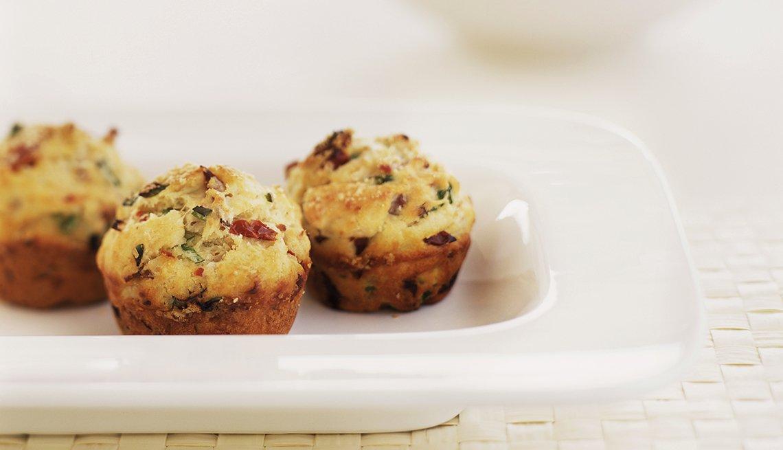 Mini muffins sobre un plato