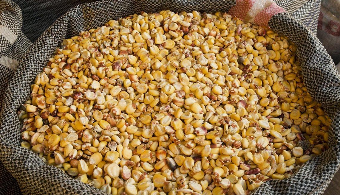 Saco lleno de maíz