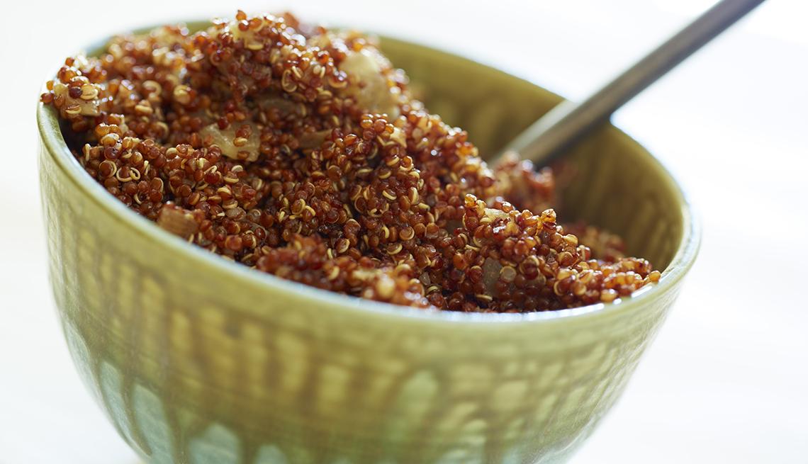 item 2 of Gallery image - Taza verde con quinoa de color dorado