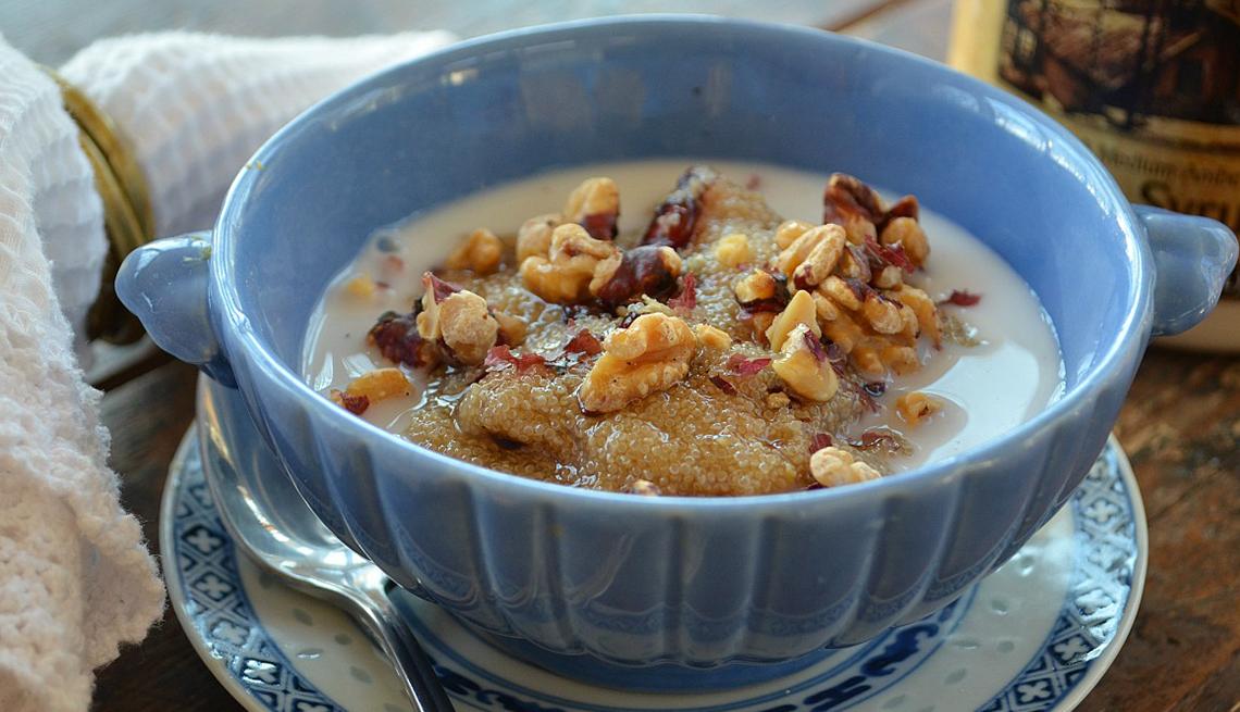 Recipiente con cereal, vainilla y amaranth