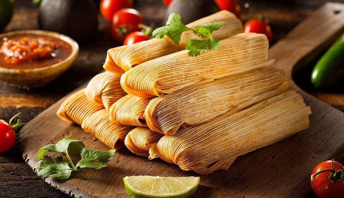 Tamales de maíz y pollo caseros