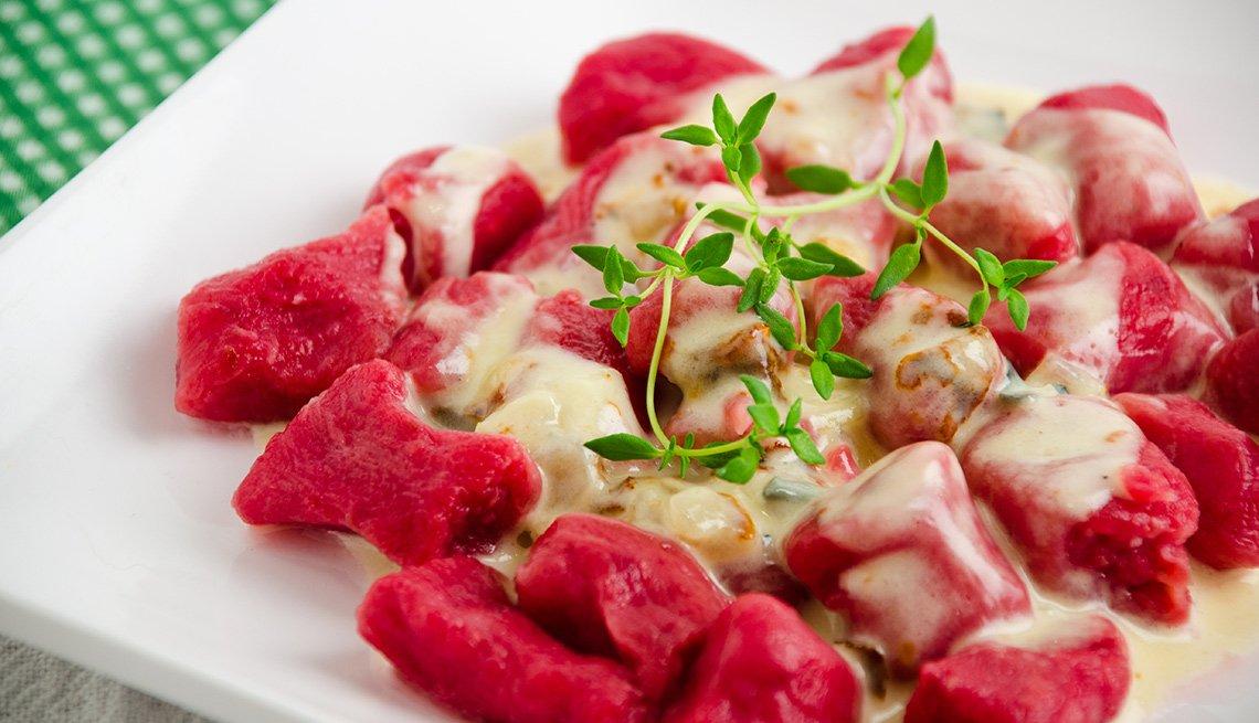 Gnocchi con trozos de carne