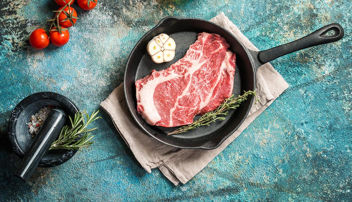 Sartén con filete de carne