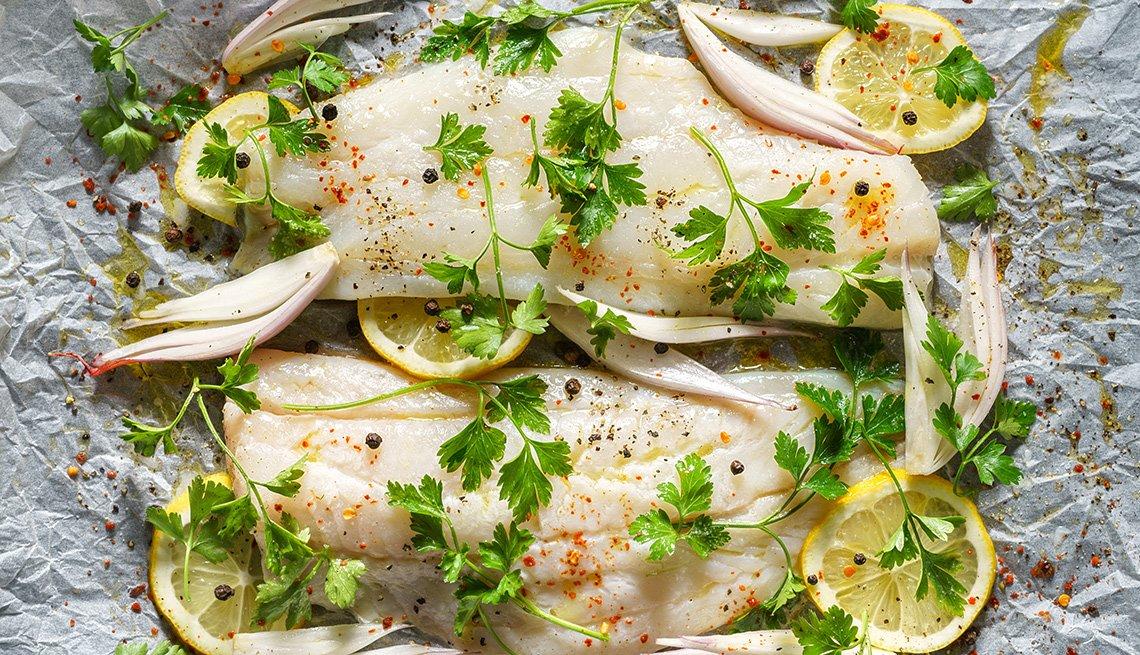 Bacalao con limón listo para ser horneado