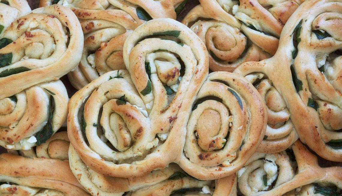 Espirales de col rizada y espinacas