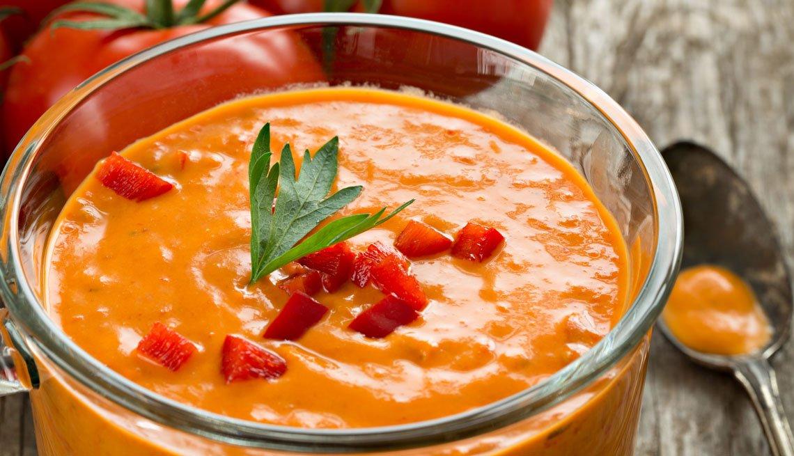 Sopa de tomate y pimiento rojo