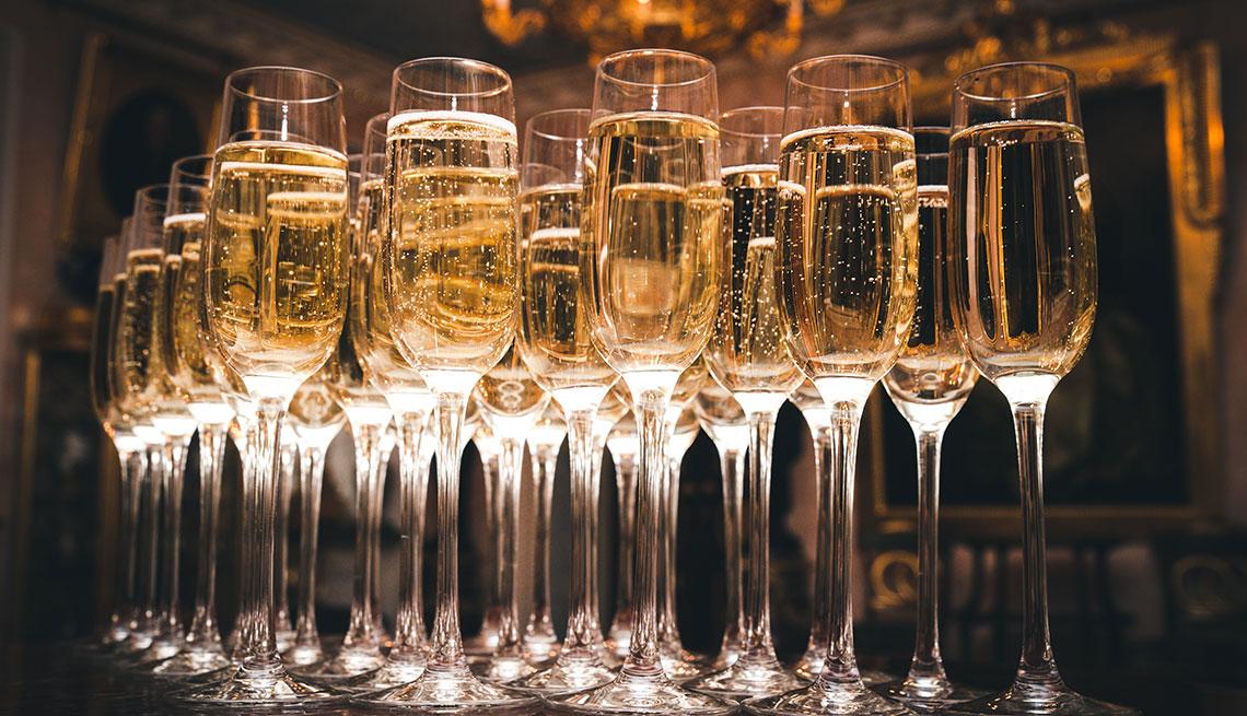 item 9 of Gallery image - Copas de champán