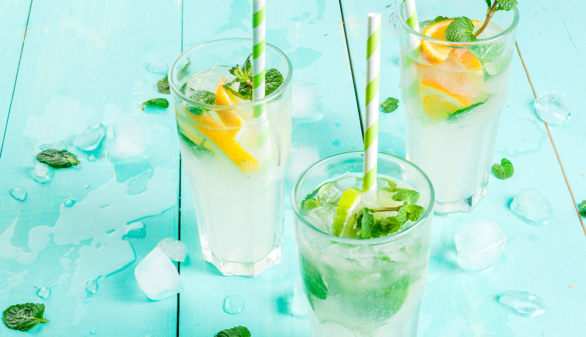 item 8 of Gallery image - Mocktail de limón, menta y jengibre