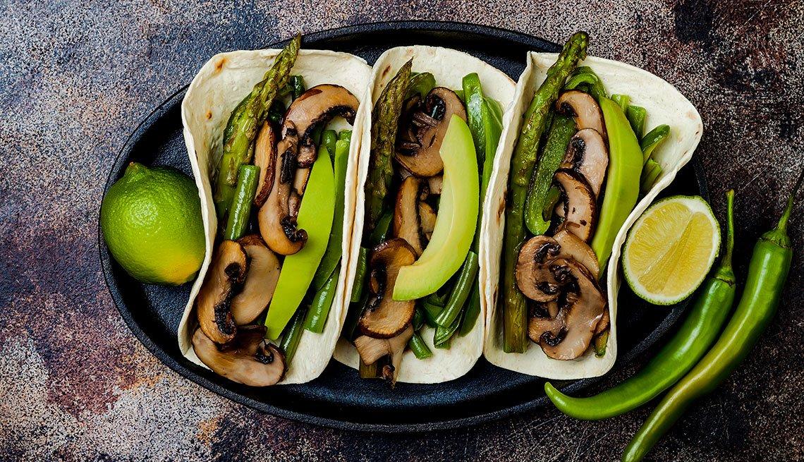 Tacos veganos de hongos shiitake